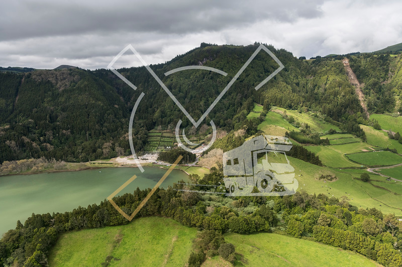 aerial image of Lagoa das Furnas Hotsprings and Parc Grena