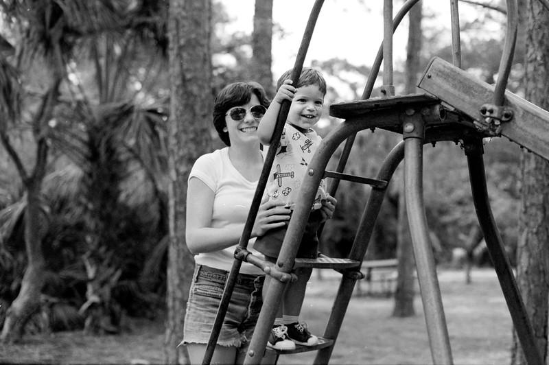 1976-10-15 #8 Dianna In Florida.jpg