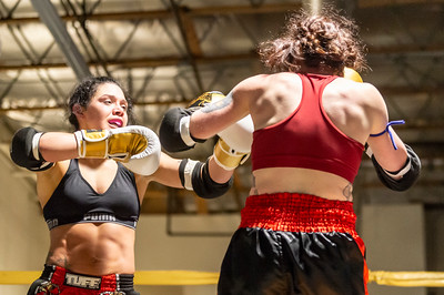 Poyorena vs Mangiaruga - Muay Thai fight Night IV