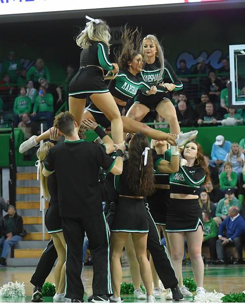 cheerleaders4085.jpg