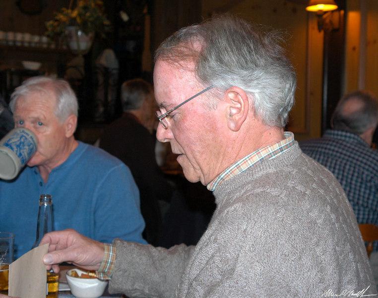 2005-02-15 Retirement PartyDSC_0022 Finning.jpg