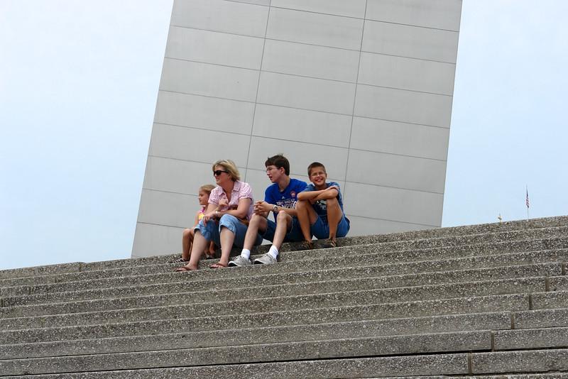 St. Louis arch/riverfront - 04