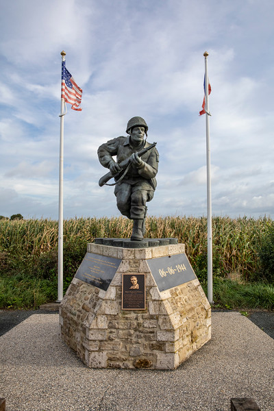 Monument near Utah Beach-1198.jpg
