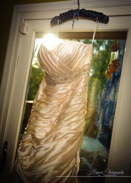 Kelley & Mike Wedding - getting ready