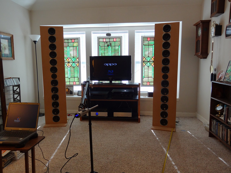 The AudioFred Sony Sweet 69 FrugalArrays have twelve 69 cent Sony boombox woofers with a single Vifa XT25 tweeter.