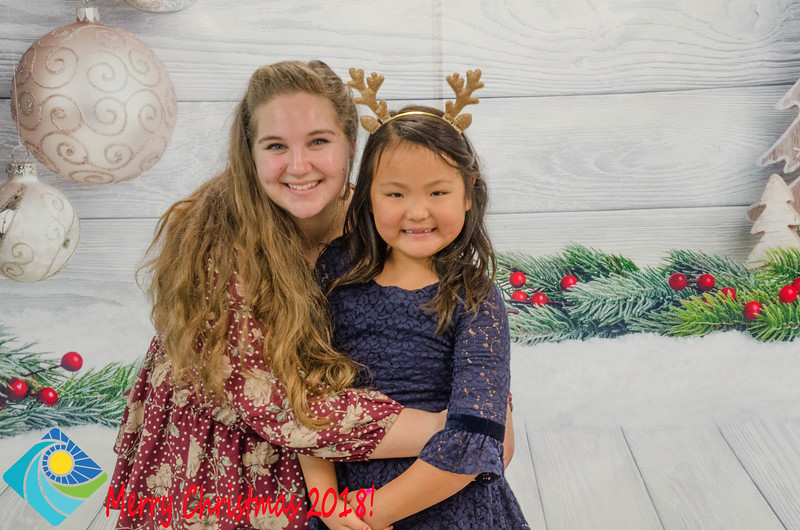 Christmas Photobooth 2018 Sunday-197.jpg