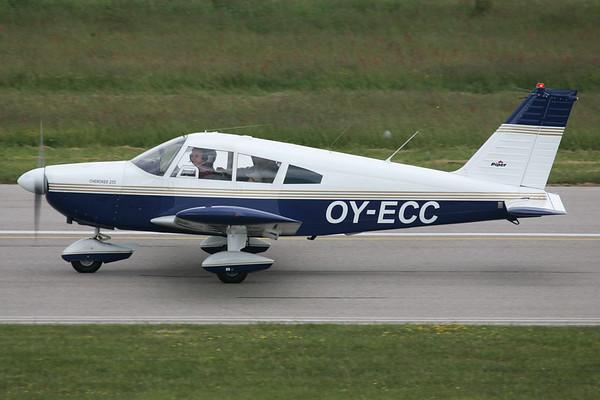 OY-ECC - Piper PA-28-235 Cherokee