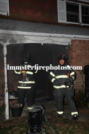 LEVITTOWN FD HOLLOW LA HOUSE FIRE 4-20-13