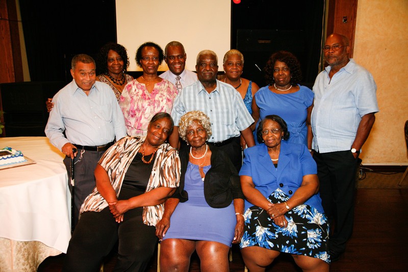 Edouard Family Reunion-3730.jpg