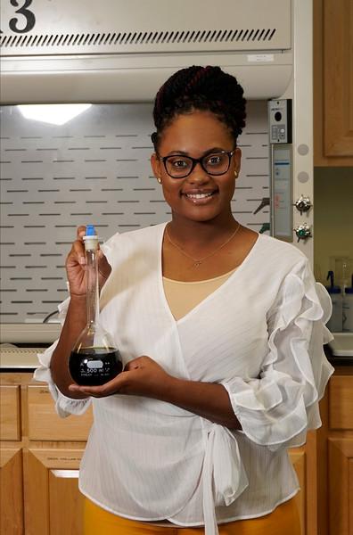 Tania Brown a GWU 2020 Summer Scholar