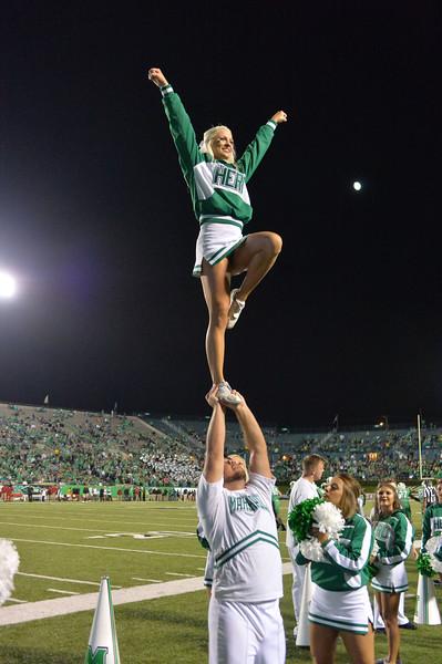 cheerleaders2698.jpg
