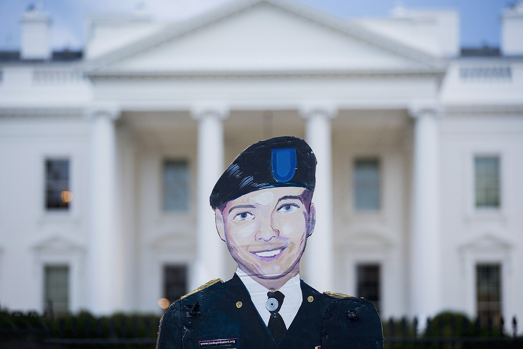 . WASHINGTON, DC - AUGUST 21:  A cutout of Bradley Manning is held up on August 21, 2013 in front of the White House in Washington, DC. Manning was sentenced to 35 years in prison for leaking hundreds of thousands of classified documents to the anti-secrecy group WikiLeaks.  (Photo by T.J. Kirkpatrick/Getty Images)