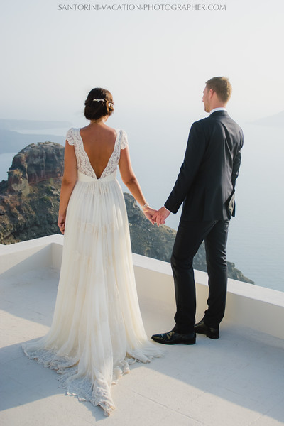 santorini-photographer-couples-photo-session-vacation-honeymoon.jpg