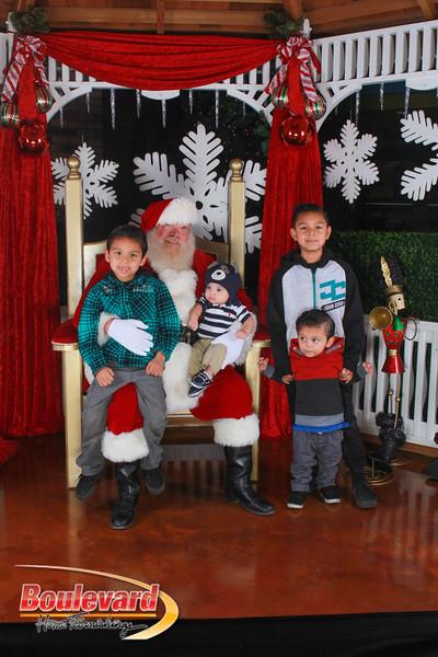 Santa 12-17-16-277.jpg