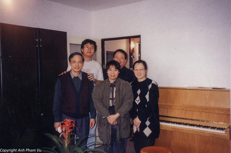 Co Lan Huong Visit 90s 15.jpg