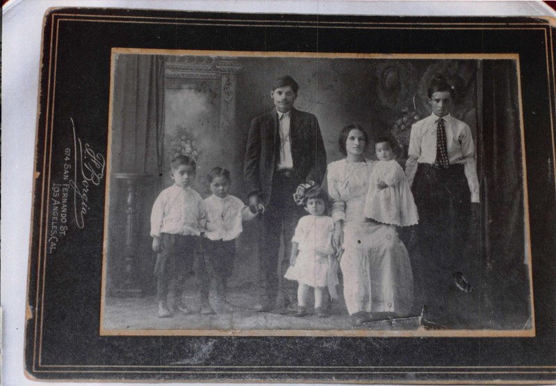 1900s-young-reyes-family-EvScan.jpg