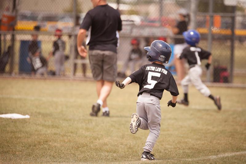 Younger Baseball-101.jpg