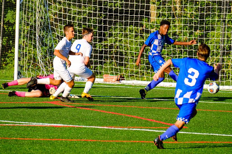 TCS Varsity Soccer 2019-1662.jpg