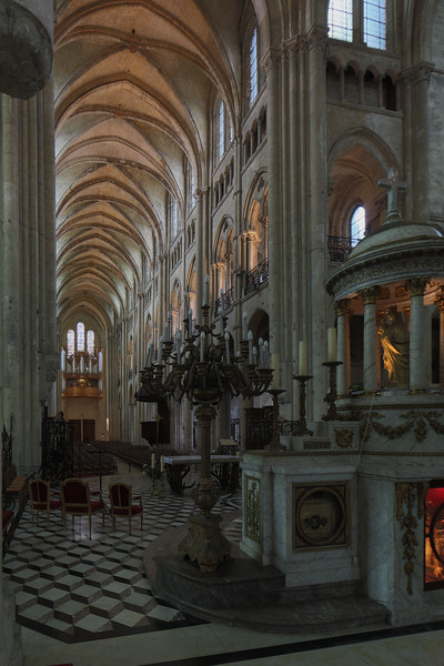 Noyon Cathedral Nave
