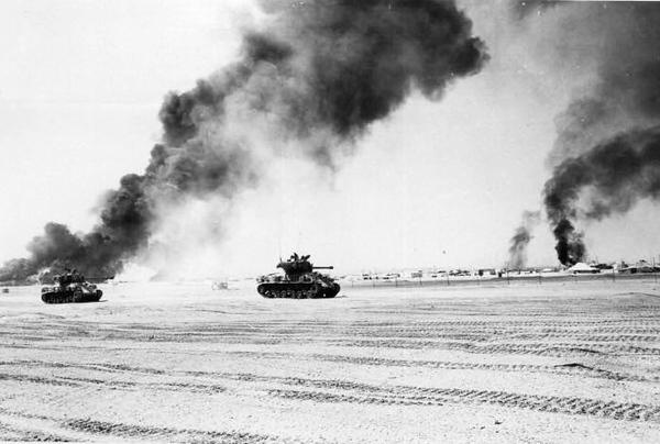 טנקים של צהל בקרבות החזית.jpg