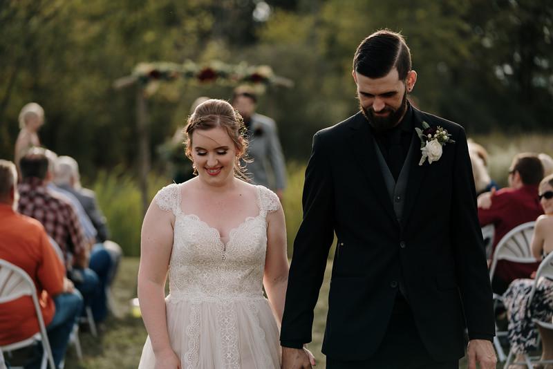 rustic_ohio__fall_barn_wedding-238.jpg