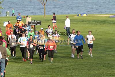 Half Marathon Start Wave 4 - 2014 Back to the Beach