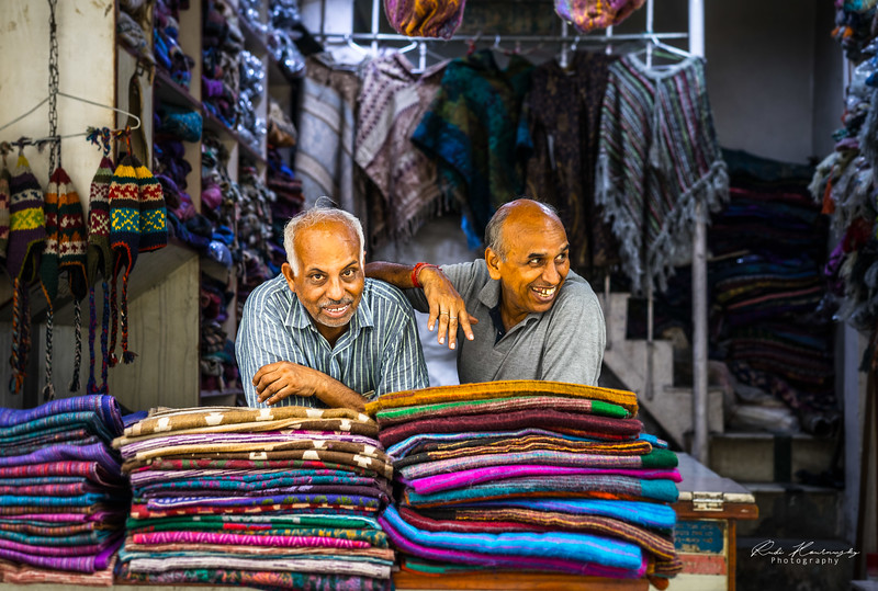 Marchands de tissu à Main bazar