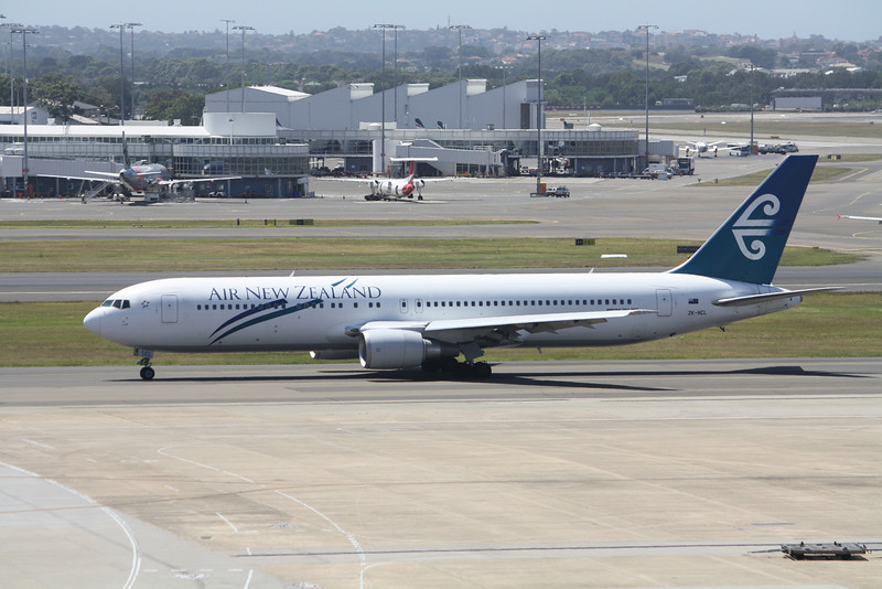 AIR NEW ZEALAND Boeing 767-300 ZK-NCL