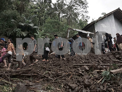 at-least-24-dead-after-flooding-and-landslides-in-java-indonesia