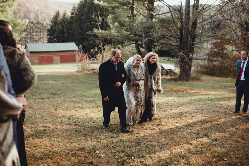 Requiem Images - Luxury Boho Winter Mountain Intimate Wedding - Seven Springs - Laurel Highlands - Blake Holly -958.jpg