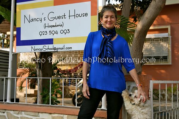 ANGOLA, Benguela. Nancy's (Gottlieb) English School and Guest House (8.2014)