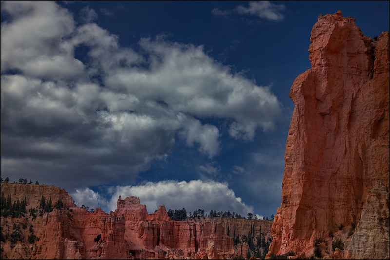 Hike on the Under The Rim Wilderness trail in Bryce Canyon