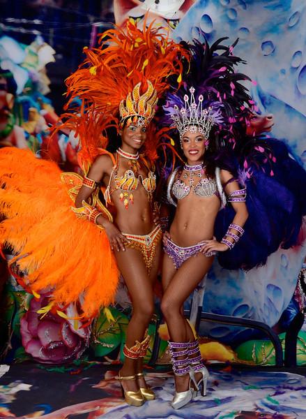 Mardi Gras ladies-2363573775-O.jpg