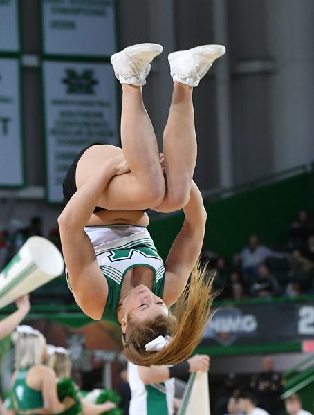 cheerleaders3300.jpg
