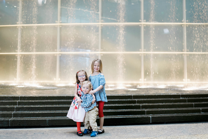 downtown-detroit-family-session-intrigue-photography-20.jpg