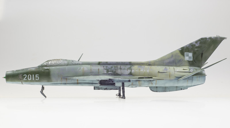 Trumpeter MiG-21F-13 04-19-14-1.jpg