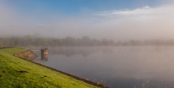 Early morning at Gartmorn Dam