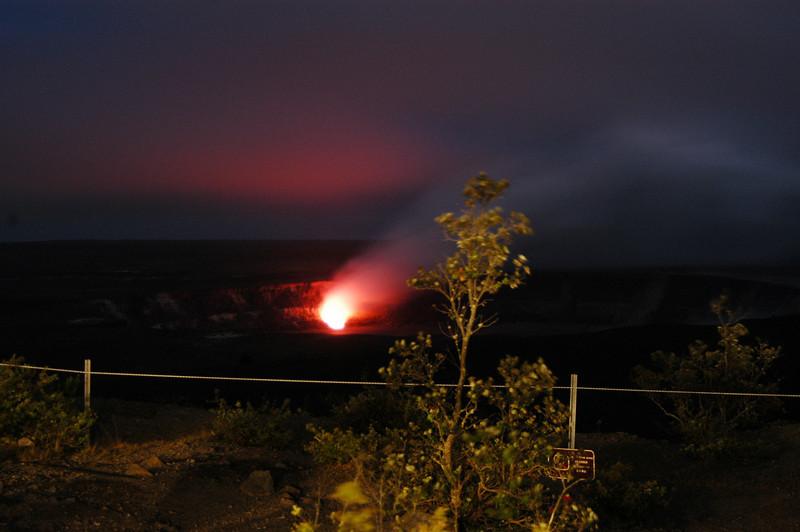 298- 20080412- Hawaii 15- Volcano Nat'l Park Plume Night shots DSC_3235.jpg