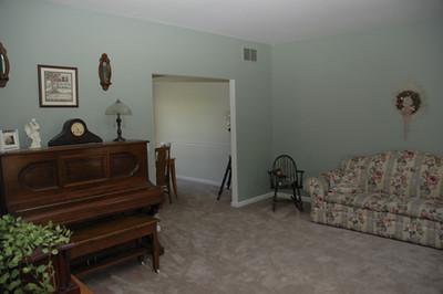 DSC_0605 Living Room.jpg