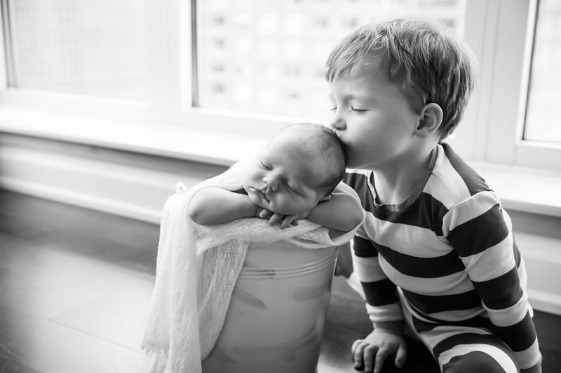 bwwwnewport_babies_photography_newborn_boy_at_home-5008-Edit-1.jpg