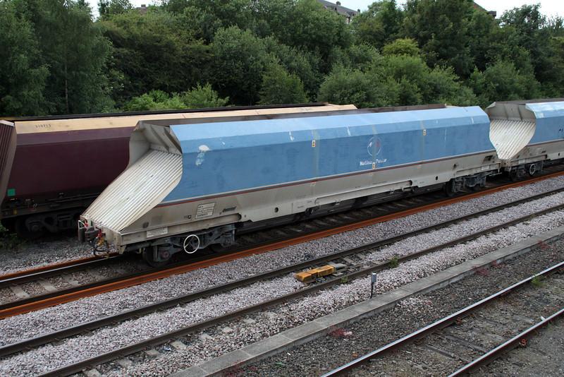 HKA 300603 passes Knottingley on 6E56 Tunstead-Milford 19/06/12