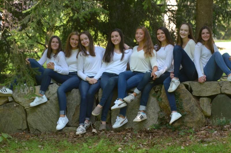 Julia Friend Group Pics - 63 of 308.jpg