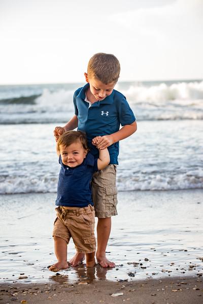 Family beach photos-147.jpg