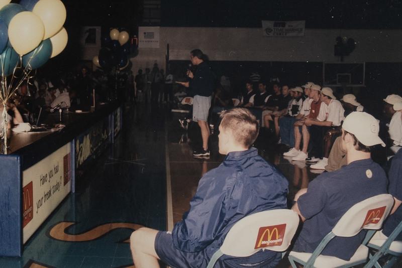 UNCW Basketball 99-00-46.jpg