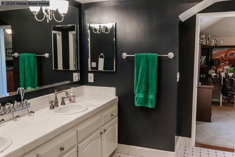 3008_48bathroom2-reverse.jpg