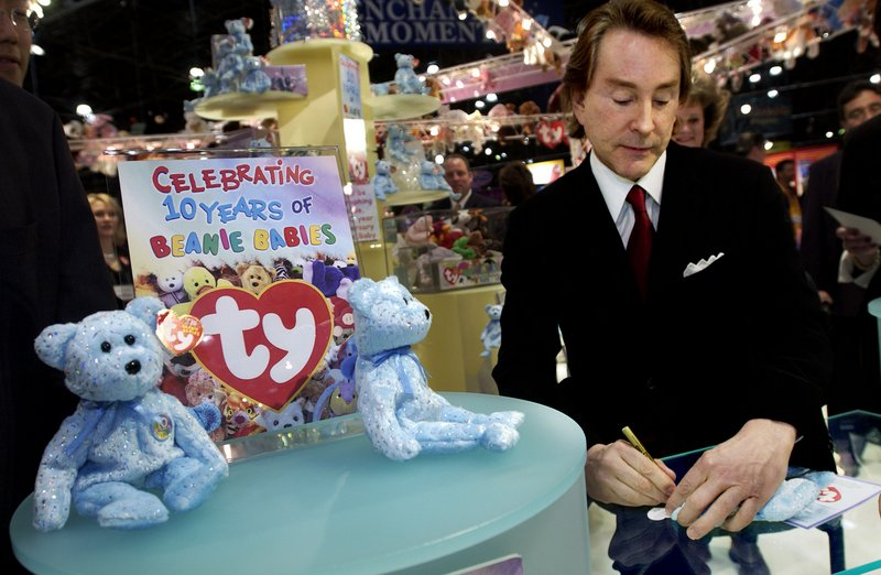 """. <p>4. TY WARNER <p>Beanie Babies may be yesterday�s fad, but tax evasion never goes out of style. (unranked) <p><b><a href=\'http://www.twincities.com/national/ci_24122020/beanie-babies-creator-charged-tax-evasion\' target=\""""_blank\""""> HUH?</a></b> <p>     (Chris Hondros/Getty Images)"""