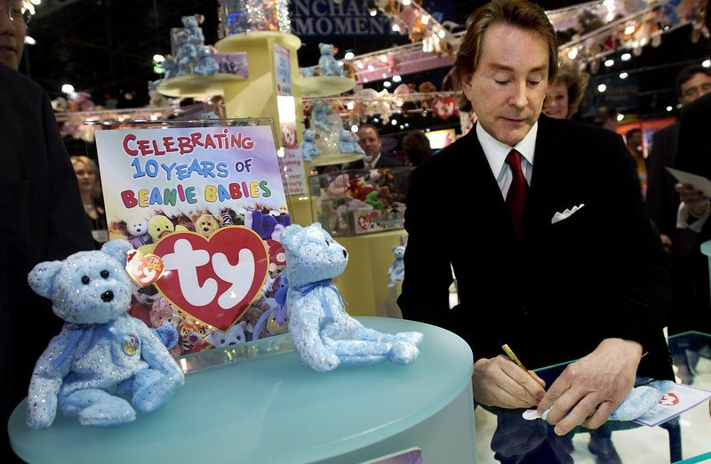 ". <p>4. TY WARNER <p>Beanie Babies may be yesterday�s fad, but tax evasion never goes out of style. (unranked) <p><b><a href=\'http://www.twincities.com/national/ci_24122020/beanie-babies-creator-charged-tax-evasion\' target=""_blank\""> HUH?</a></b> <p>     (Chris Hondros/Getty Images)"