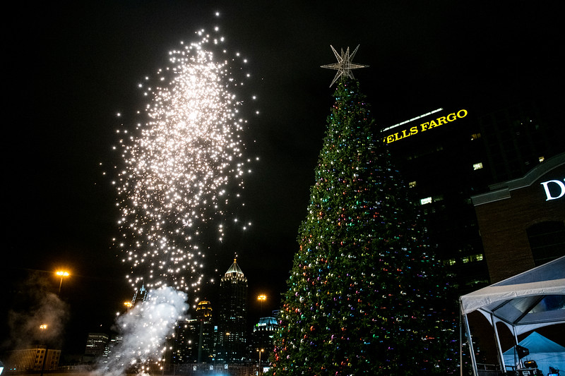 AtlanticStationTreeLighting2019_3885.jpg