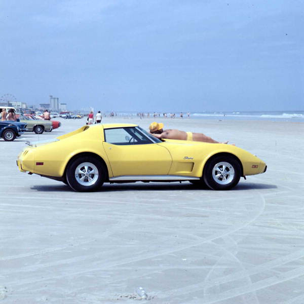 1975 corvette stingray.jpg