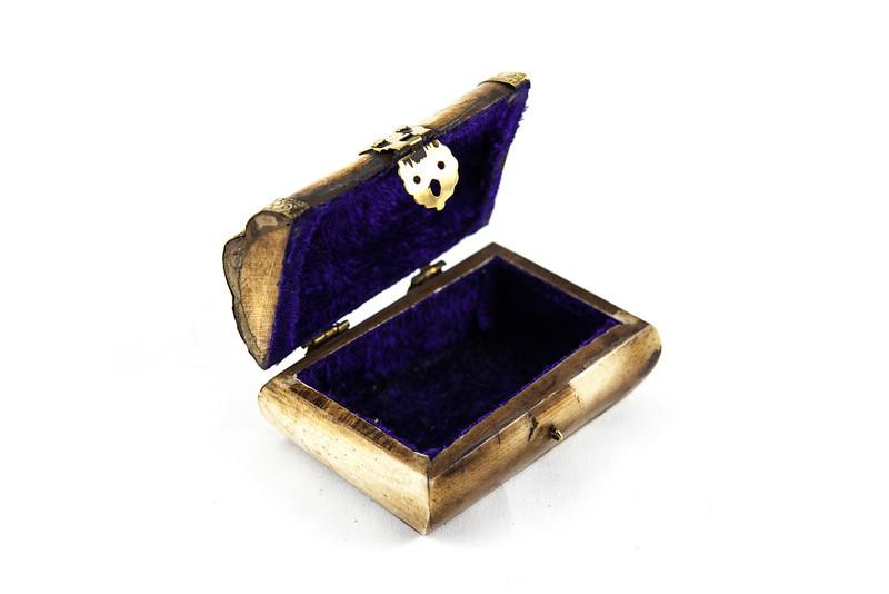 Jewelry-450.JPG